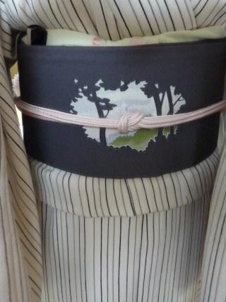 締め忘れるところだった、お城に桜の染め帯。_f0181251_1330186.jpg
