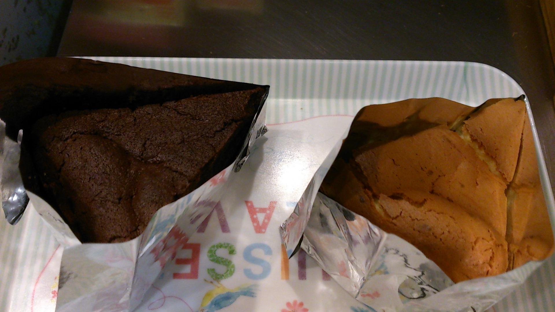 『チョコケーキとチーズケーキ』_a0075684_23371813.jpg
