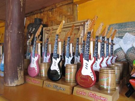 Alegre Guitars 工場_e0220089_10154014.jpg