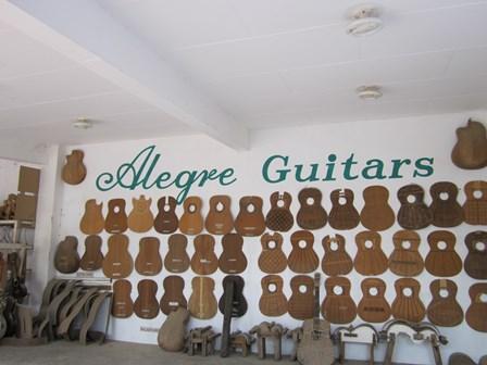 Alegre Guitars 工場_e0220089_10155967.jpg