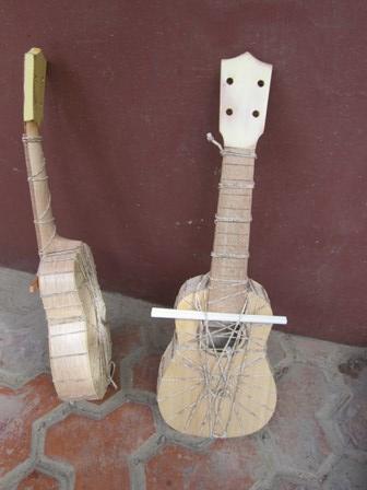 Alegre Guitars 工場_e0220089_1016046.jpg