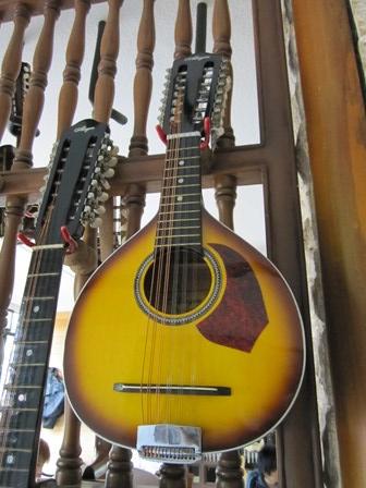 Alegre Guitars 工場_e0220089_1016435.jpg