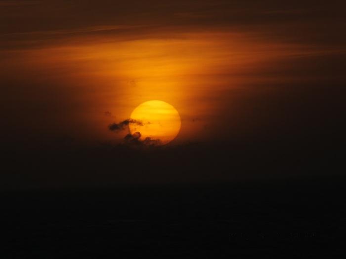 早朝赤道通過 Crossed the Equator Early Morning_e0140365_2134298.jpg