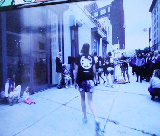 世界14カ国のギャラリーによるNYのアートフェア、Independent art fair_b0007805_2114133.jpg