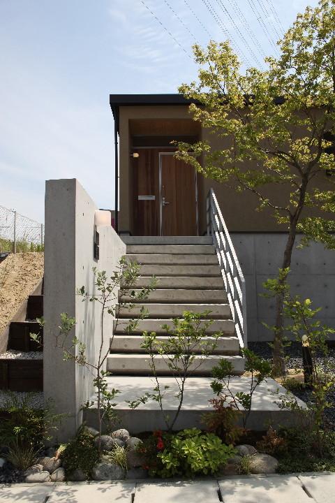 平屋のコートハウス_b0179213_1905115.jpg