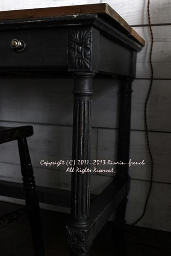 ルイ16世スタイルのデスク。 ~ my roomの新コーナー♪~_e0237680_9111651.jpg