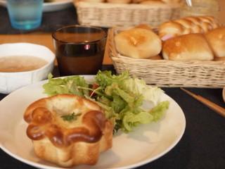 K先生のパン教室(3月) グラタンパン&ミルクカット_e0159185_8373455.jpg