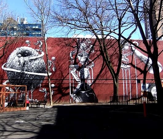 NYの名も無き公園の壁に、Phlegmさんの超巨大ストリート・アート_b0007805_994527.jpg