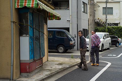 撮影の合間に散歩しながら昼食を!_b0194208_22414969.jpg