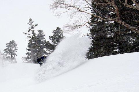 【滑走レポ 2013.3.26】2012/13シーズンのラストパウダーを狙って!@かぐら_e0037849_22552563.jpg