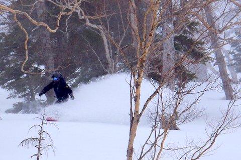 【滑走レポ 2013.3.26】2012/13シーズンのラストパウダーを狙って!@かぐら_e0037849_22571977.jpg