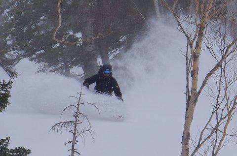 【滑走レポ 2013.3.26】2012/13シーズンのラストパウダーを狙って!@かぐら_e0037849_22573222.jpg