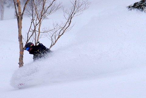 【滑走レポ 2013.3.26】2012/13シーズンのラストパウダーを狙って!@かぐら_e0037849_22574613.jpg