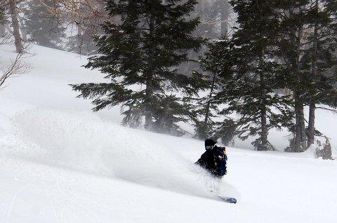 【滑走レポ 2013.3.26】2012/13シーズンのラストパウダーを狙って!@かぐら_e0037849_22583729.jpg