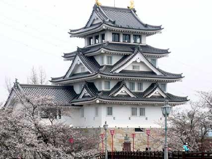 桜舞う、お城ツアーに参加しました_d0020309_17122734.jpg