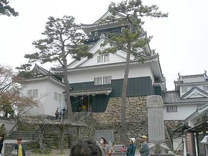 桜舞う、お城ツアーに参加しました_d0020309_17393365.jpg