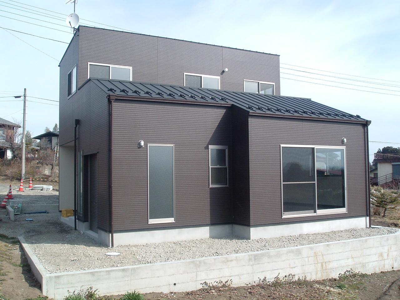 バイクガレージのある家_a0128217_16243694.jpg