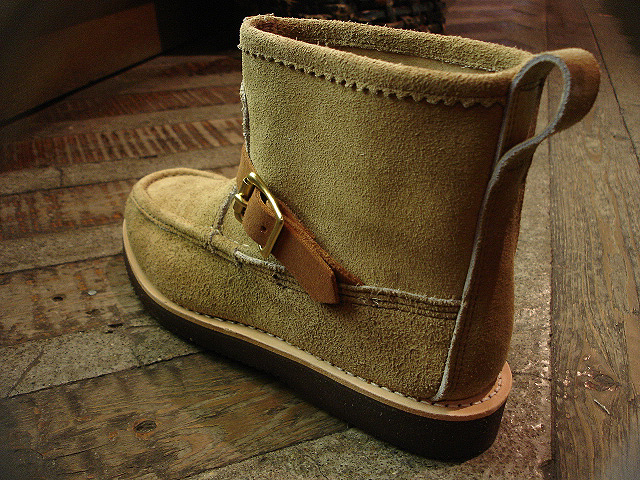 "NEW : RUSSELL MOCCASIN CO. [Knock-A-Bout Boot with Strap] ""Laramie Suede\"" !!_a0132147_201013.jpg"