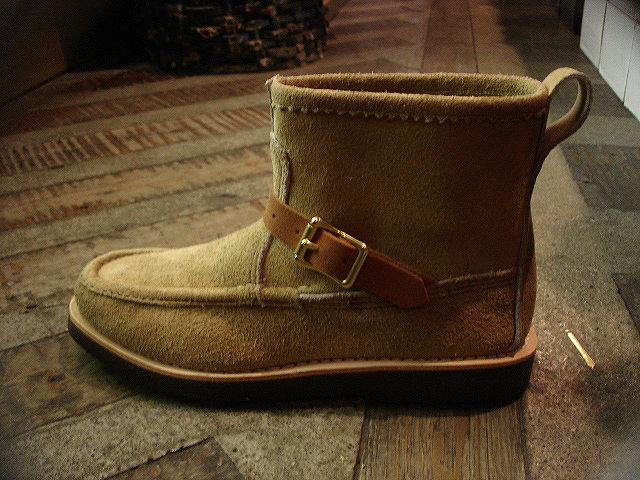 "NEW : RUSSELL MOCCASIN CO. [Knock-A-Bout Boot with Strap] ""Laramie Suede\"" !!_a0132147_231715.jpg"