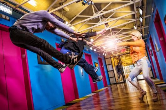 日本の女子高生の「吹っ飛び画像」が波動拳として突如アメリカでブームに?! #Hadouken_b0007805_0402881.jpg