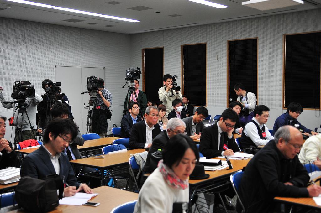 4月1日/武雄市図書館リニューアルオープン_d0047811_2329139.jpg