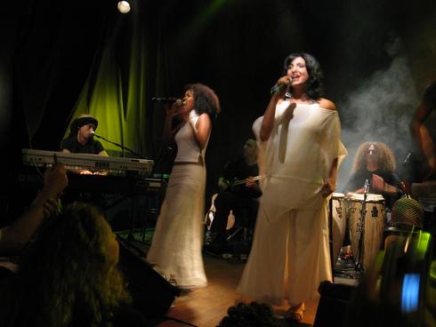 Idan Raichel a Paris, 2006_d0010432_1262419.jpg