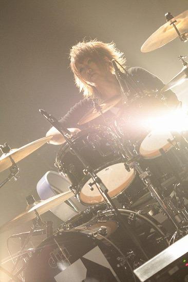 ユナイトがツアーファイナルSHIBUYA-AX公演で3ヶ月連続リリースを発表_e0197970_058037.jpg