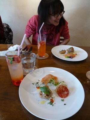 イタリア食堂クッチョロで、長女の合格祝いをして、さあ新年度!_e0188087_2140555.jpg