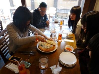 イタリア食堂クッチョロで、長女の合格祝いをして、さあ新年度!_e0188087_21411649.jpg
