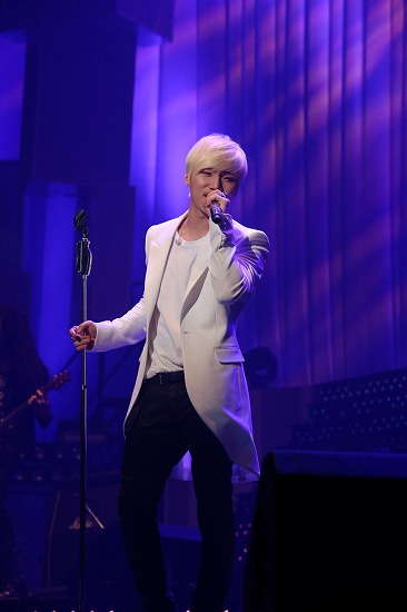 D-LITE(BIGBANG)、日韓通じて自身初のソロツアー武道館公演で12,000人を魅了_e0197970_1241892.jpg