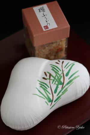 和久傳さんの櫻の葛焼き_c0138180_15475930.jpg