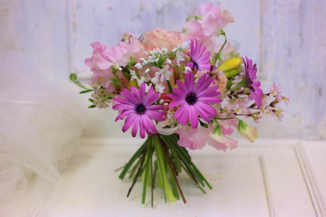 一会定期スクール3月 春の花木のブーケ1 コンパクトなブーケ編_a0042928_181452.jpg