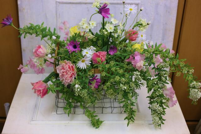一会定期スクール3月 春の花木のブーケ1 コンパクトなブーケ編_a0042928_1842388.jpg