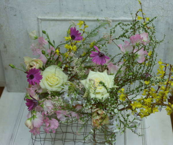 一会定期スクール3月 春の花木のブーケ1 コンパクトなブーケ編_a0042928_18425655.jpg