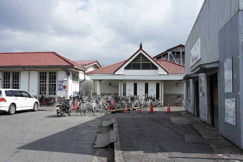 JR琴平駅_c0112559_1319366.jpg