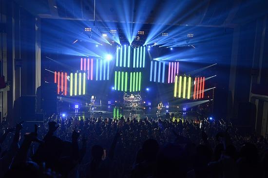 """ムック""""Shangri-La""""ツアーファイナル公演NHKホールで3000人が熱狂_e0197970_17263023.jpg"""