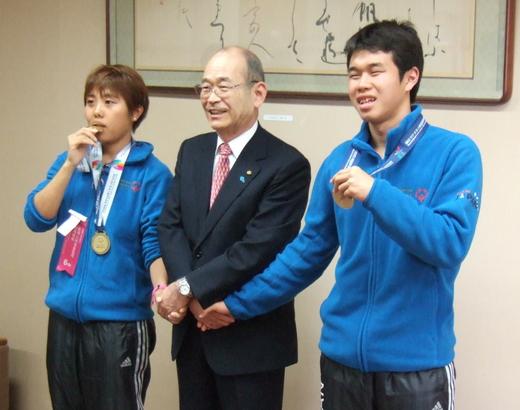 冬季世界大会の金メダルを西宮市長に報告!!_b0074547_010426.jpg