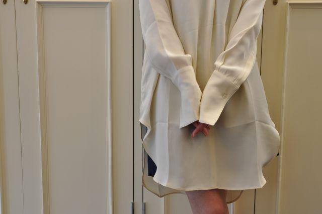 ロングシャツと言えば・・・ STUDIO NICHOLSON._b0110586_2052316.jpg