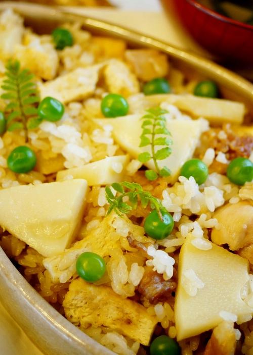 春らしい和の定番「タケノコごはん」と「若竹汁」【レシピ付き】