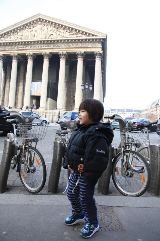 パリ 分割払いの旅 マドレーヌ寺院_c0187779_765054.jpg