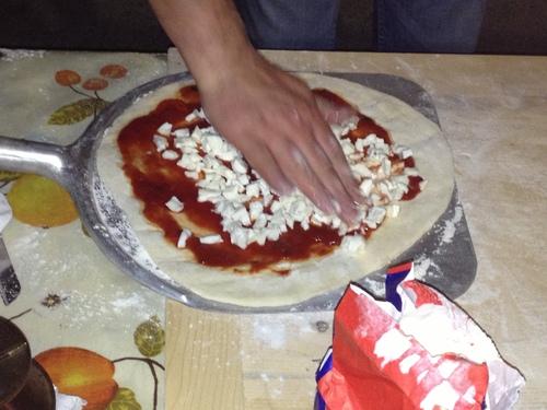 Pizzaを焼く_e0186099_6552733.jpg