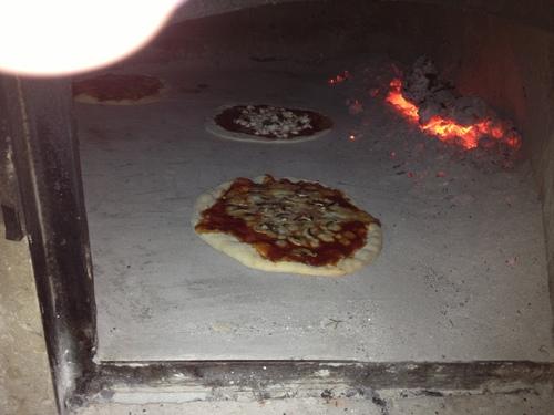 Pizzaを焼く_e0186099_6583158.jpg
