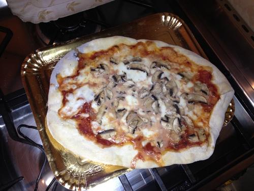 Pizzaを焼く_e0186099_74657.jpg