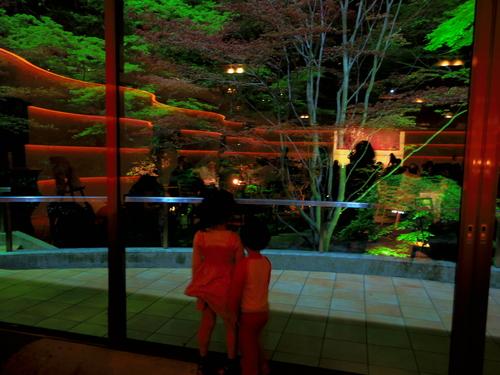 春ボジョレーと夜桜ビュッフェ@八芳園_e0123104_6585125.jpg