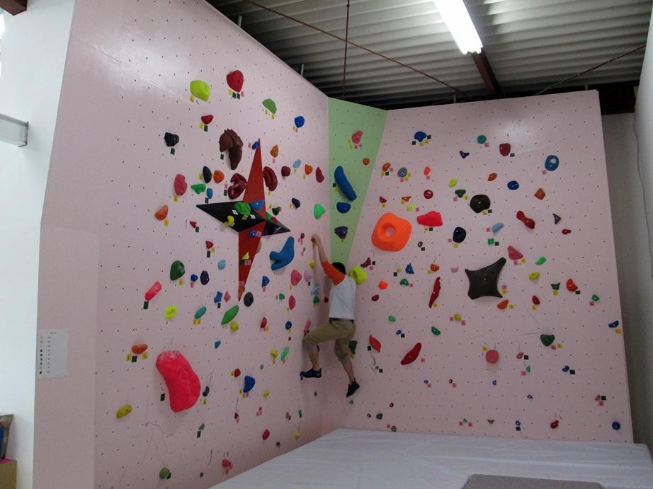 Bouldering gym・ROCKESTRA open !!_f0050226_04604.jpg