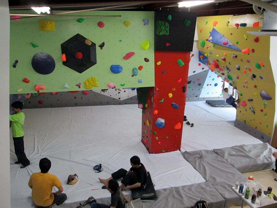 Bouldering gym・ROCKESTRA open !!_f0050226_0494125.jpg