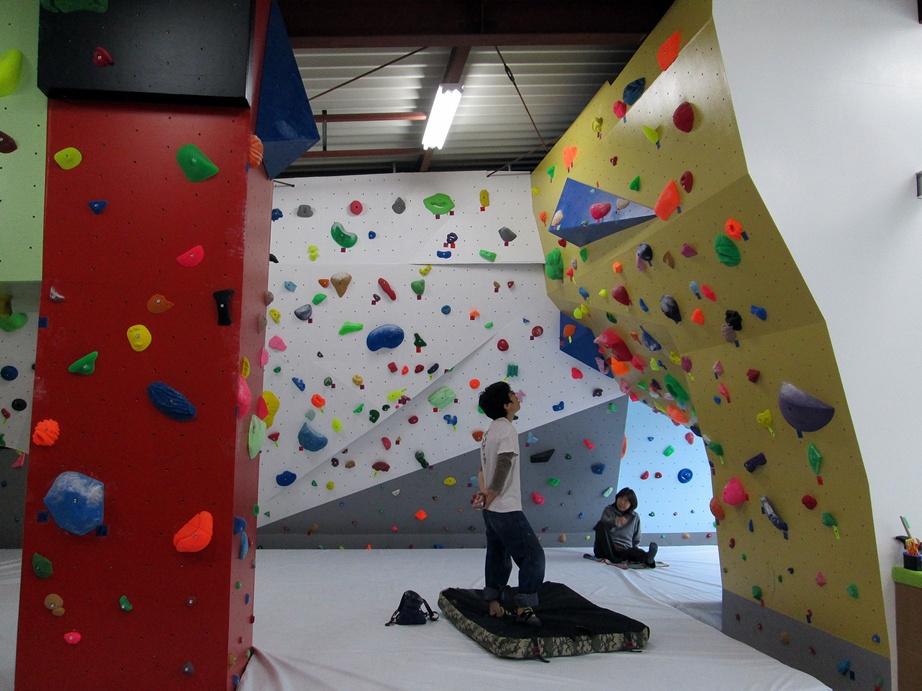 Bouldering gym・ROCKESTRA open !!_f0050226_0513263.jpg