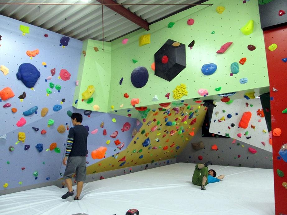 Bouldering gym・ROCKESTRA open !!_f0050226_052697.jpg