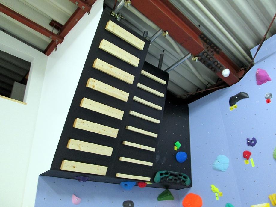 Bouldering gym・ROCKESTRA open !!_f0050226_1154100.jpg