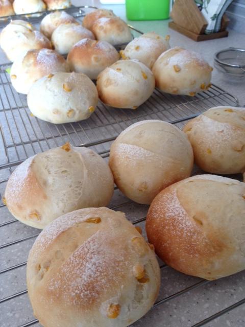 いとまゆ先生の出張レッスンとパンの勉強会。_e0045565_16594933.jpg